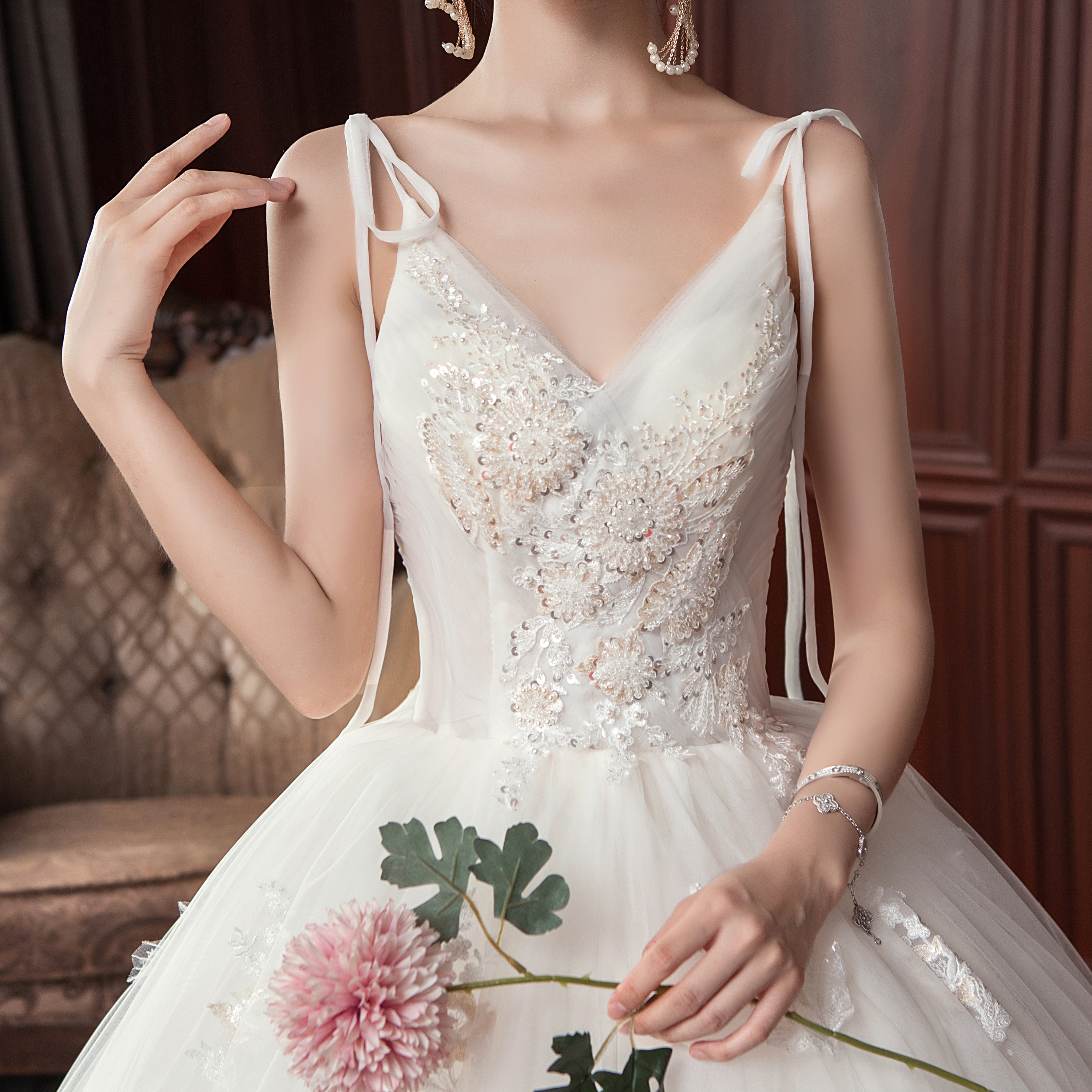 森系唯美钉珠吊带婚纱•送三件套